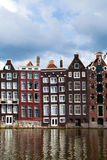 Amsterdam-Kanalhäuser Stockfoto