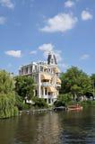 amsterdam kanalhus fotografering för bildbyråer