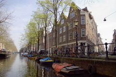 amsterdam kanalsikt Arkivbild