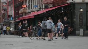 Amsterdam l'explorant - les barres à la place de Leidse - AMSTERDAM - PAYS-BAS - 19 juillet 2017 clips vidéos