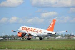 Amsterdam les Pays-Bas - 3 mai 2018 : EasyJet Airbus A319 de G-EZIV Images stock