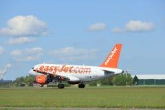 Amsterdam les Pays-Bas - 3 mai 2018 : EasyJet Airbus A319 de G-EZIV Image stock