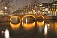 Amsterdam nachts Stockfoto