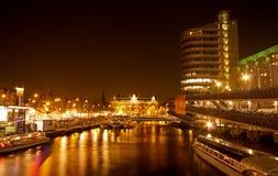 amsterdam nattsikt Fotografering för Bildbyråer