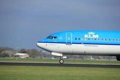 Amsterdam Nederländerna - April 7th, 2017: Flygbolag för PH-BXL KLM Royal Dutch Royaltyfri Bild