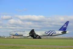 Amsterdam Nederländerna - April 7th, 2017: PH-BVD KLM Boeing 777 Royaltyfria Bilder