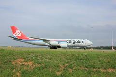 Amsterdam Nederländerna - Augusti 10 2015: LX-VCG Cargolux luftar Arkivbilder