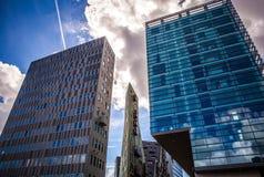 AMSTERDAM NEDERLÄNDERNA - AUGUSTI 15, 2016: Slott av rättvisa In Amsterdam Is en ny gränsmärke av västra IJ-skeppsdockor Fotografering för Bildbyråer