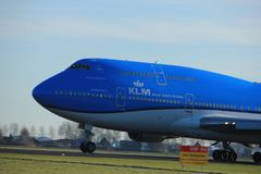 Amsterdam Nederländerna - Januari 7th 2018: PH-BFY KLM Boeing 747 Royaltyfri Foto
