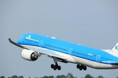 Amsterdam Nederländerna - Juni 2nd, 2017: Flygbolag Dreamliner för PH-BHG KLM Royal Dutch Arkivbilder
