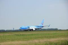 Amsterdam Nederländerna - Juni 12 2015: PH-TFB Arke Boeing 73 Royaltyfri Foto