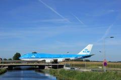 Amsterdam Nederländerna - Juni 9th 2016: PH-BFR KLM Boeing 74 Arkivfoto