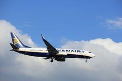 Amsterdam Nederländerna - Maj, 20th 2017: EI-EPE Ryanair Boeing 737 royaltyfria bilder