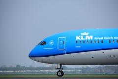 Amsterdam Nederländerna - Maj 6th, 2017: PH-BHE KLM Dreamliner Royaltyfri Bild