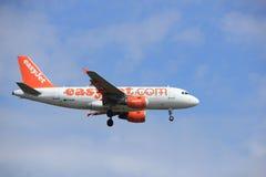 Amsterdam, Nederland, Juli, 21ste 2016: G-EZIN easyJet Luchtbus A319-111 Stock Afbeeldingen