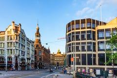AMSTERDAM, NEDERLAND - 10 JUNI, 2014: Mooie sreets van Amsterdam op de zomerdag Stock Fotografie