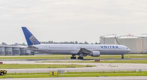 United Airlines Boeing 767. AMSTERDAM, NETHERLANDS - OCTOBER 1, 2017: United Airlines Boeing 767-424 N76065 takes off from Amsterdam Airport Schiphol Royalty Free Stock Images