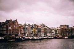 Amsterdam op een bewolkte Dag royalty-vrije stock afbeelding