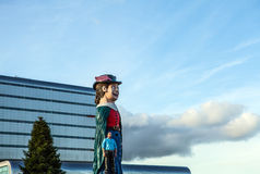 AMSTERDAM, PAESI BASSI - 10 GENNAIO 2016: Le figure comiche enormi si avvicinano al centro commerciale il 10 gennaio 2010 a Amste Fotografia Stock Libera da Diritti