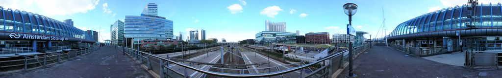 Amsterdam, Paesi Bassi - 15 Juni 2015: La stazione ferroviaria Amsterdam Sloterdijk immagine stock libera da diritti
