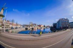 AMSTERDAM, PAESI BASSI, MARZO, 10 DEL 2018: Punto di vista all'aperto splendido di De Gooyer Windmill - il mulino di legno più al Fotografie Stock Libere da Diritti