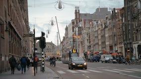 Amsterdam, Paesi Bassi 15 ottobre 2017 Il traffico di biciclette Amsterdam è una grande capitale europea con l'una serie di stock footage