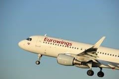 Amsterdam, Pays-Bas - 1er juin 2017 : D-AEWJ Eurowings Airbus Image stock