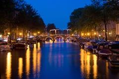 Amsterdam por noche 1. Imágenes de archivo libres de regalías