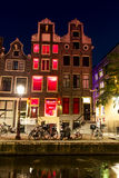 Amsterdam rött ljushotell royaltyfri bild