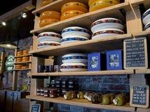 Amsterdam - scaffali di formaggio olandese Immagine Stock Libera da Diritti