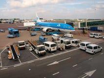 Aéroport de Schiphol au travail. Ville d'Amsterdam. 10 septembre 2012 Image libre de droits