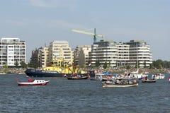 AMSTERDAM SIERPIEŃ 23: Parada łodzie przy żaglem 2015 w Amsterdam Obraz Royalty Free