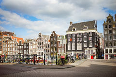 Amsterdam Singel gata Arkivbild