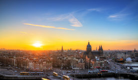 Amsterdam solnedgånghorisont Royaltyfri Bild