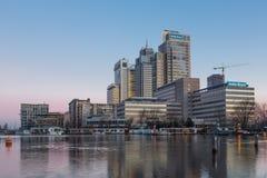Amsterdam-Stadt-Skyline - Rembrandt-Turm stockfotografie