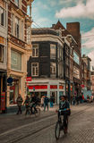Amsterdam - Straßen geben von den Abgasleitungsrohren frei stockbilder