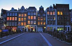 Amsterdam ulica przy nocą Zdjęcia Stock