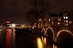 Amsterdam Nachts In Der Weihnachtszeit In Den Niederlanden ...