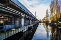 Amsterdam-Zug Stockbild