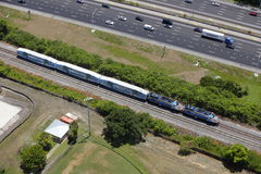 Amtrak in der Bewegung Lizenzfreie Stockbilder
