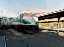 Amtrak kaskad pociąg przy Portland obrazy royalty free
