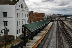Amtrak Loading Platform - 2. Roanoke, VA – December 23rd: Amtrak loading platform located in downtown Roanoke, Virginia, USA on December 23rd, 2017 royalty free stock photos