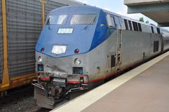 Amtrak lokomotiv i Syracuse, New York royaltyfri fotografi