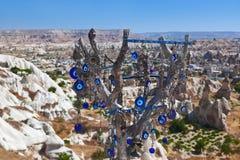 Amuleto del árbol y del ojo malvado en Cappadocia Turquía Fotografía de archivo libre de regalías
