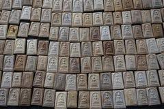 Amulettes thaïlandaises de Bouddha à vendre Photographie stock