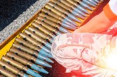 Amunicyjny pasek, łańcuch ładownicy wojenne dla tła obrazy royalty free