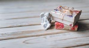 amur Figura del cupido vendimia Cupido del vintage Ángel del muchacho valentine Fotos de archivo