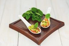 Amuse machte von der Wassermelonenbanane und -kiwi lizenzfreie stockbilder