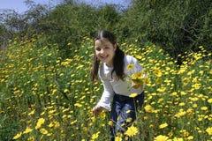 Amusement avec des fleurs Photographie stock libre de droits