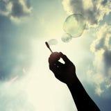 Amusement avec la bulle photographie stock